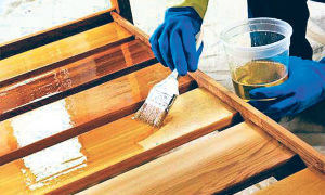 Чем лучше покрыть деревянную беседку?