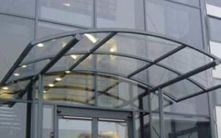 Обзор навесов из стекла