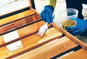 Чем обработать деревянную беседку